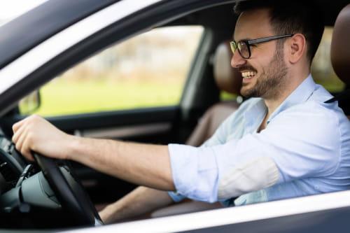 Chauffeur de taxi Lyons-la-Forêt pour trajet toute distance aeroport gare scolaire medical