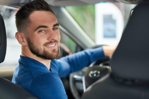 Chauffeur taxi Aubevoye disponible